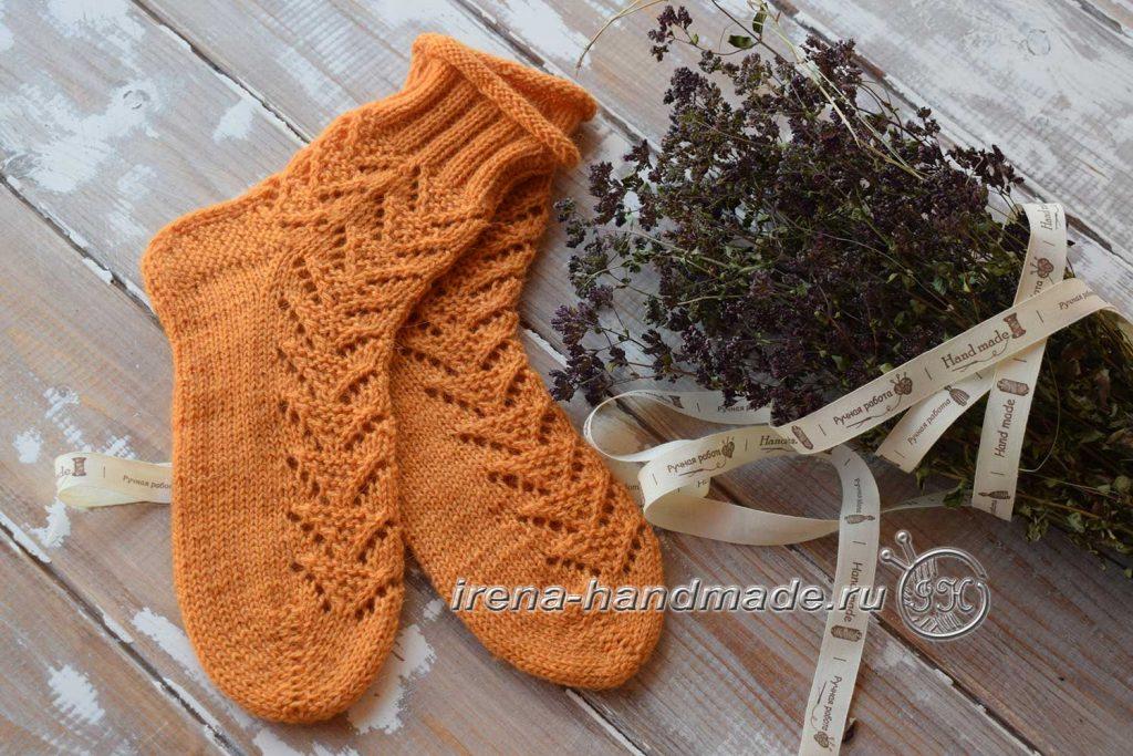 Ажурные носки с узором «Треугольники» - начало