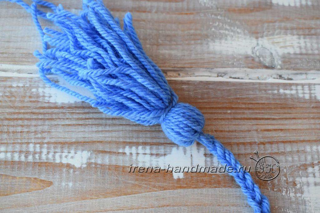Как сделать кисточки из пряжи - петля