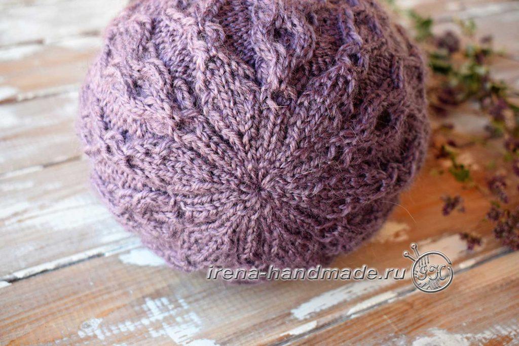 Шапка бини с арановым узором - макушка шапки