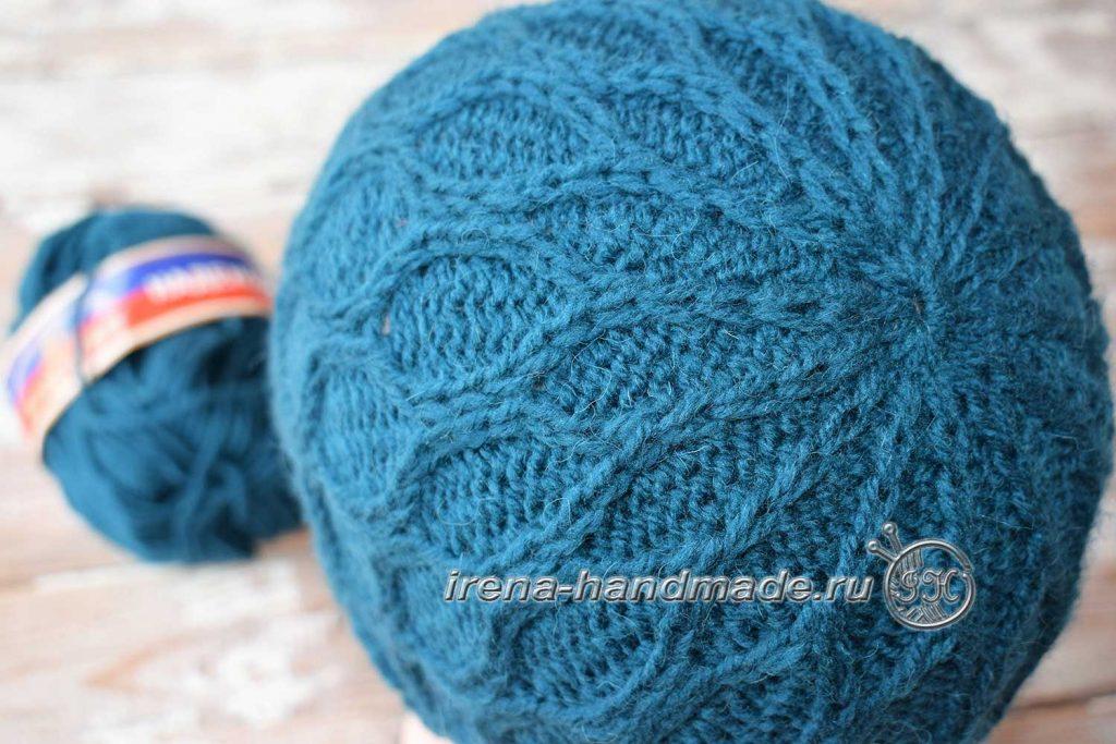 Шапка для мальчика текстурным узором - макушка шапки