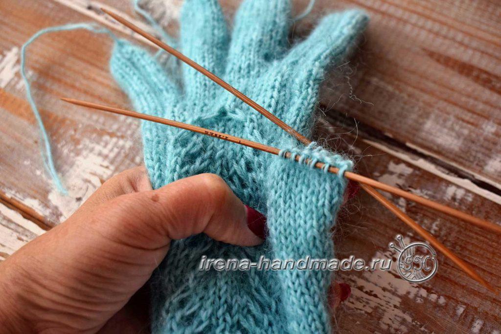 Перчатки с узором «Елочка» - большой палец-2