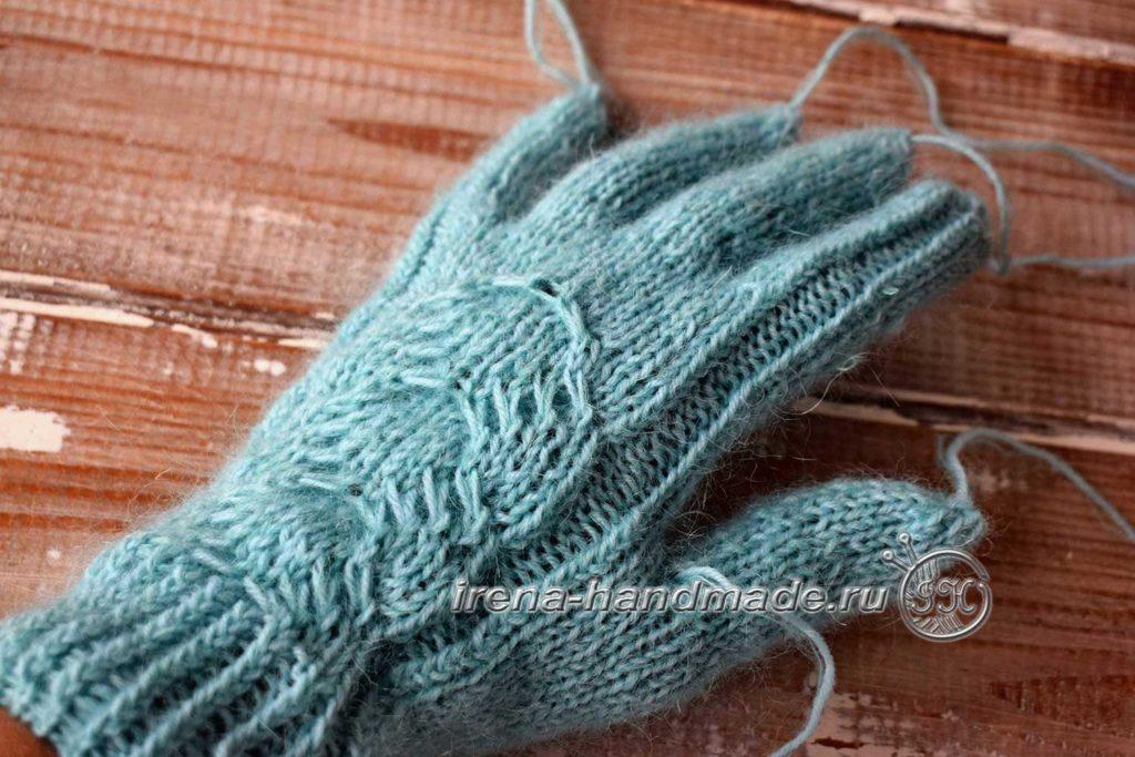 Перчатки с узором «Елочка» - левая верх итог