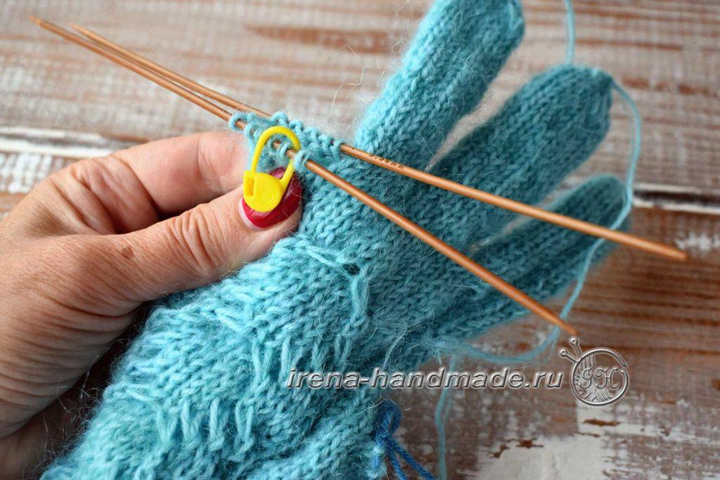 Перчатки с узором «Елочка» - мизинец