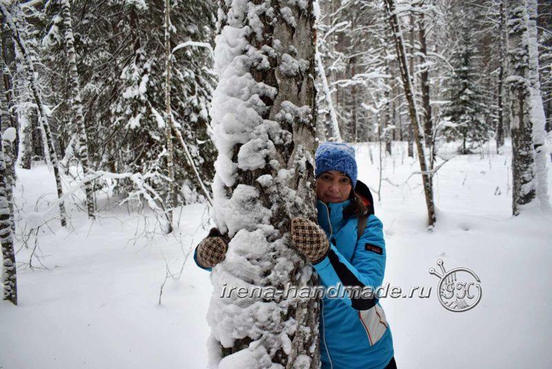 Варежки с жаккардом «Метелица» - в лесу